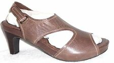 NEW SOFTWALK BROWN LEATHER SLINGBACK HEELS SANDALS 6 M