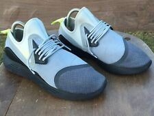 Nike Lunarcharge Essential Men's Running or Casual Shoes Sneakers Sz 10