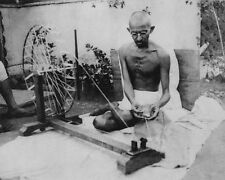 MOHANDAS 'MAHATMA' GANDHI SPINNING THREAD 11x14 SILVER HALIDE PHOTO PRINT