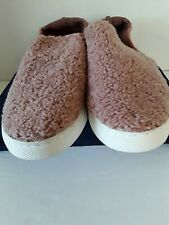 PINK PULL ON SLIPPERS - SIZE 9 - NWOB