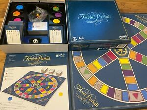 Hasbro Trivial Pursuit Classic Edition 2016 Board Game Family Genus 2-6 Players