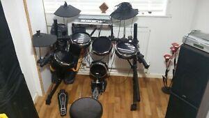 Alesis DM5 Drum Kit - READ DESCRIPTION