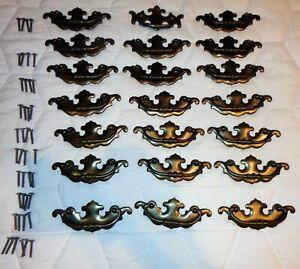 20 VTG AGED BRASS METAL DRESSER CABINET PULL HANDLES Drop Bail A7436DC 1 A7316DC