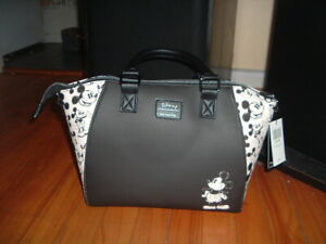 LOUNGEFLY DISNEY MICKEY MOUSE SKETCH HANDBAG~ WITH TAGS~ BRAND NEW~