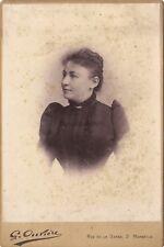 Portrait Femme dans le studio de Ouvière à Marseille Vintage argentique