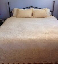 """Handmade Crocheted Lace Huge King Bedspread Cover 132"""" x 118"""" + 2 Shams NEW"""