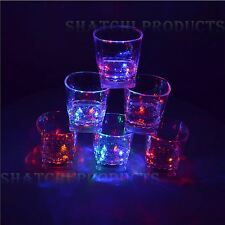 4 LED lampeggiante attivato incandescente LIQUIDO Light-Up Acqua Vino in Vetro Tazza Mug FESTA