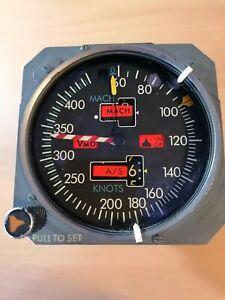 Boeing 737 CL Mach Airspeed Indicator Cockpit Flight Deck n2