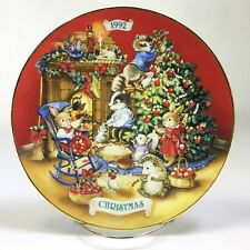 Avon 1992 Sharing Christmas With Friends Forest Animals Holiday Porcelain Plate