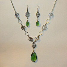 LACY FILIGREE VICTORIAN STYLE GREEN GLASS DARK SILVER PL NECKLACE EARRINGS SET