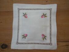 Rosa V. Cotone Ricamato BUSTINA profumato con rosa 16 CM x 16 cm