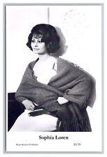 Sophia Loren (C) Swiftsure Postcard year 2000 modern print 20/20 glamour photo