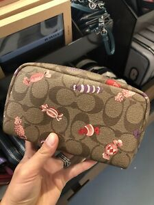 💙 Coach C1388 Small BOXY Cosmetic CASE Signature CANDY Print KHAKI Travel NWT