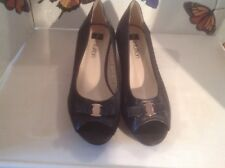 Lovely Ladies Black Size 7 Open Toed Wedge Shoes, New Shop Clearance