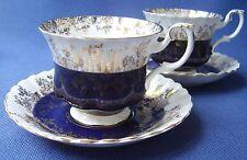 Royal Albert-La Chine 2 TASSES & SOUCOUPES-Bleu foncé et doré, motif no 4396-très bon état
