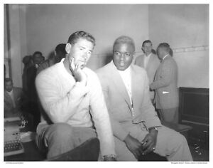 """11"""" x 14"""" B/W PHOTO: TED WILLIAMS AND JACKIE ROBINSON"""