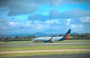 ORIGINAL CIVIL AIRCRAFT PLANE COLOUR SLIDE G-GDFG JET 2 BOEING 737 AT MANCHESTER