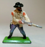 BRITAINS DEETAIL 1st SERIES COWBOY  shooting rifle from waist Colour 3
