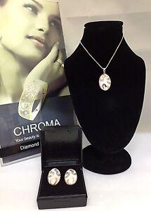 Ceramic/silver and 0.25ct diamonds Pendant/Earring set
