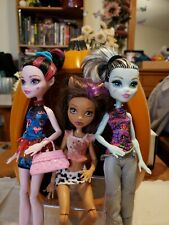 Monster High Dolls Lot of 3 Frankie, Draculaura and Clawdeen with clothes