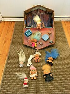 VINTAGE TROLL LOT 1965 UNEEDA TWO HEADED, DAM THINGS COW AND HOUSE CARRY CASE
