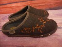 Brown Clog Wool ? Keen Womens Slip on 8.5 M Stitching Casual Moc Mule Walking