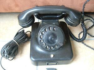 altes Telefon Fernsprecher Siemens W 38 mit Anschlußkabel und Stecker