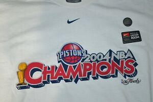 Nike 2004 Detroit Pistons Champions Official Locker Room Shirt XL Center Swoosh