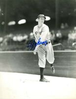 Lefty Gomez Autographed Signed 8x10 Photo ( HOF Yankees ) REPRINT