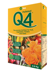 Vitax Q4 all-purpose pelleted fertiliser 0.9kg box