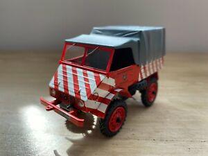 """Schuco 1:43 Mercedes Benz UNIMOG 401 """"Feuerwehr"""" Pritsche-Plane Art. 03109"""