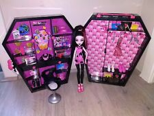 Monster High Drac Ulocker and Draculaura Doll with Accessories