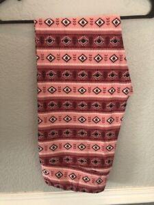 NWT LuLaRoe TC Valentine's Day Leggings Pink Red & White Aztec SUPER CUTE HTF