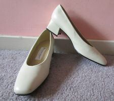 Etienne Aigner 'Spain' Vtg Beige Sturdy Leather Sq Toe Lo Heel Pumps 7.5N Sample
