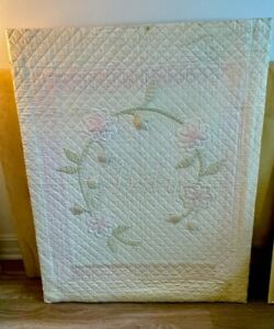 """Book Worthy!  It's In a Book !  Vintage 1920 Crib Quilt  """" Rose of Sharon """""""