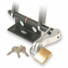 DELTA BIKE HITCH LOCKING BICYCLE FORK WHEEL MOUNT RACK PADLOCK INCLUDED NEW