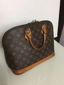 Authentic Louis Vuitton Alma PM Monogram Top Handle Bag. BA1927. VGC.