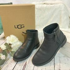 UGG Australia REA BLK LEATHER SHEEPWOOL Women's BOOTS 1019191  size 9.5 EU 40.5