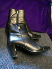 ESINO/BLACK LEATHER/TAB DETAIL/HEEL/ANKLE BOOTS/SIZE 4.5