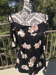 VENUS Floral Summer Top Size M Medium New NWOT