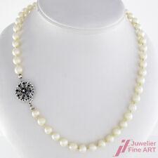 Perlenkette - 750/18K Weißgoldschließe mit Diamant ca. 0,01 ct & Saphiren -29,3g