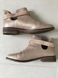 Zara Ladies Girls Boots Size 3
