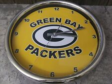 """Green Bay Packers 12"""" Wall Clock, 1 AA Battery incl.,  Second Hand, Gold, Green"""