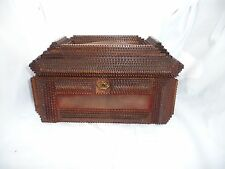 ANTIQUE TRAMP FOLK ART LAVISHLY CHIPPED CARVED BOX