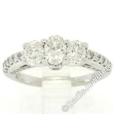 Anillos de joyería con diamantes en oro blanco de compromiso ovalada