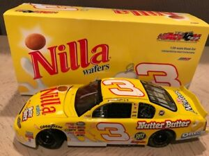 2002 Action/RCCA Dale Earnhardt Jr. Nilla Wafers Bank 1:24 (# to 5,004)