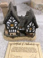 David Winter Tudor Manor House Hand Made & Hand Painted Great Britain 1981