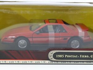 1985 Pontiac Fiero GT Red Road Signature 1:18 Scale 92588