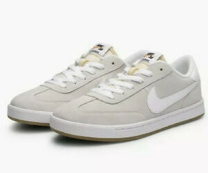NIKE SB FC CLASSIC Suede Trainers ~ Men's ~ Summit White ~ UK 8 ~ 909096 111