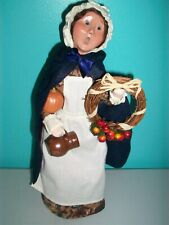 Byers Choice Williamsburg - Woman w/Pumpkin, Wreath And Clay Jug - 2008